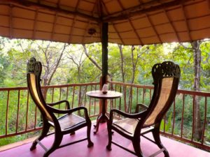 Enjoy being a part of nature in the luxurious tree houses of Khaama Kethna Resort in Agonda in the south of India.