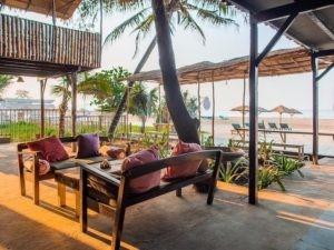Meditativer Urlaub im Wellness Zentrum direkt am Meer im Norden Goas. Du findest dort dein inneres Gleichgewicht durch liebevolle Begegnungen wieder.
