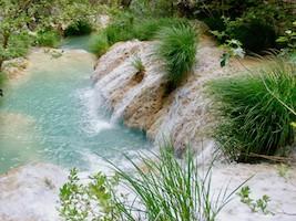 Tagesausflug zu den Polilimnio Wasserfällen – traumhafte Natur in Griechenland.