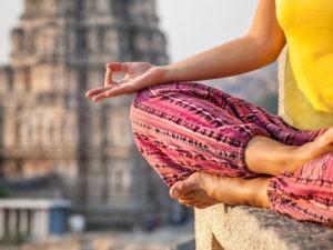 Meditieren in den faszinierenden Tempeln von Hampi, Badami und Bijaipur.