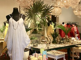 Shopping Tour in selected Indian Boutiques is fun!