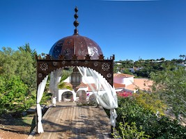 Seminar house Joy of the Soul in Portugal, with meditation pagoda, healing crystal pool and Jacuzzi in the garden.